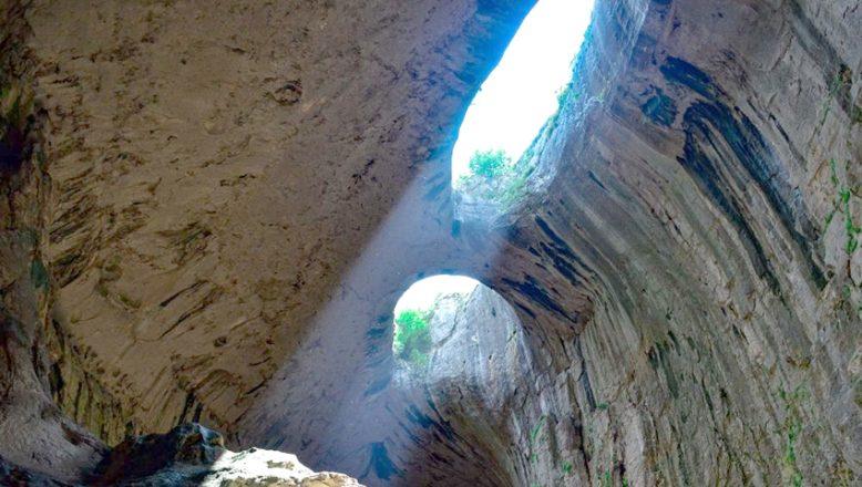 Lukovit bölgesindeki, kaya manastırları