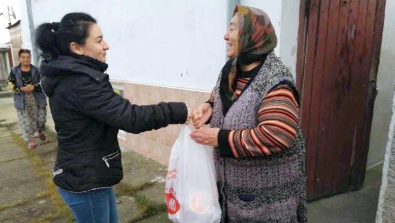Razgrad'lı gençlerden, muhtaç yaşlılara yardım kampanyası