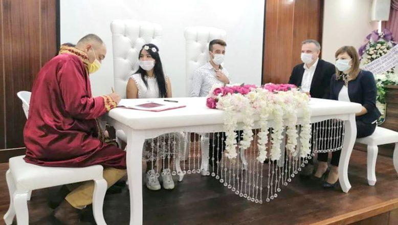 Taylandlı gelin mutluluğu, Çanakkale'de buldu