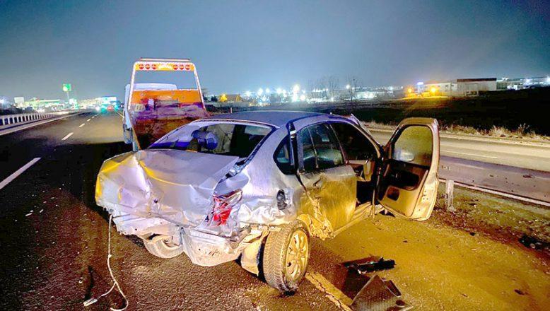 Otomobil hurdaya döndü, sürücü yaralandı