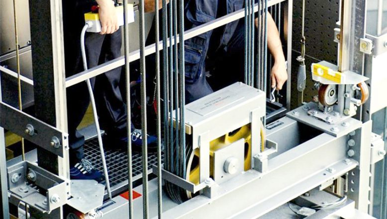 Asansörler, bakım onarım görerek, işletmeleri yapılacak