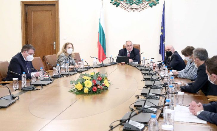 Bulgaristan'da salgın önlemlerinin gevşetilmesi görüşülüyor