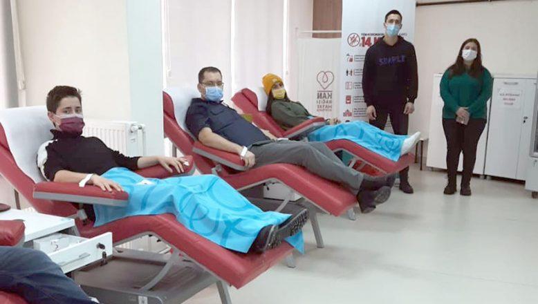 Kızılay'a kan bağışında bulundular