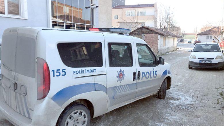 Polise mukavemete gözaltı
