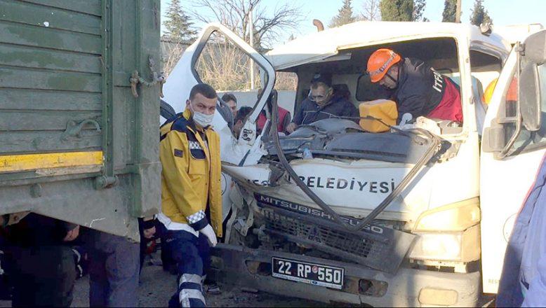 Trafik kazasında 2 işçi yaralandı