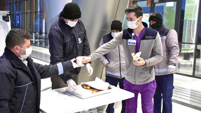 Sağlık çalışanlarına her sabah, çorba ve simit