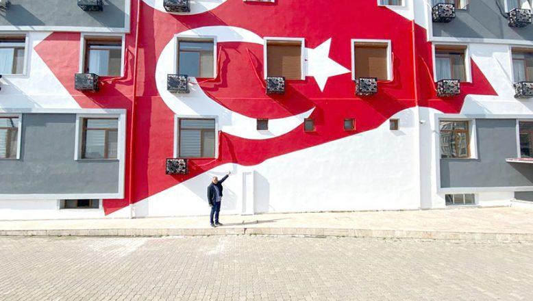 Türk Bayrağı çizimine tepki
