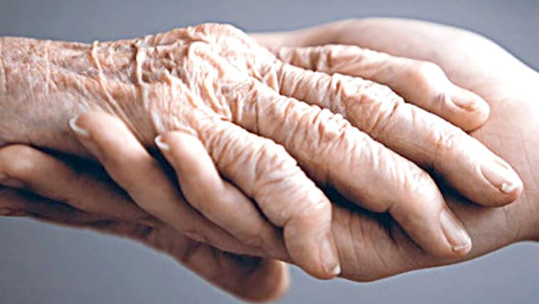 """""""Ellerdeki yaşlanmaya dikkat"""""""