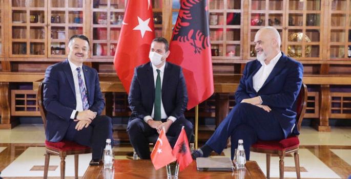 Türkiye'den Arnavutluk'a Araç ve Ekipman Desteği