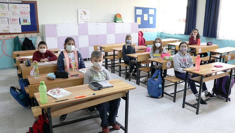 Okullarda yüz yüze eğitime başlandı