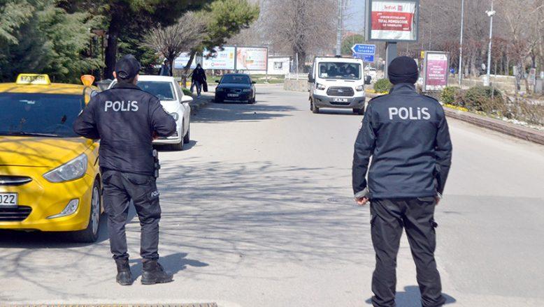 Tedbirleri ihlal eden 106 kişiye 297 bin 900 lira ceza