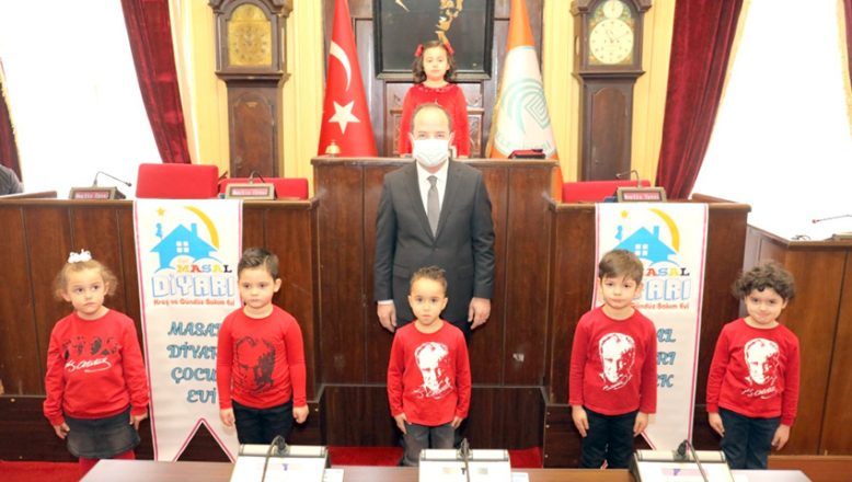 Minik yüreklerde İstiklal Marşı