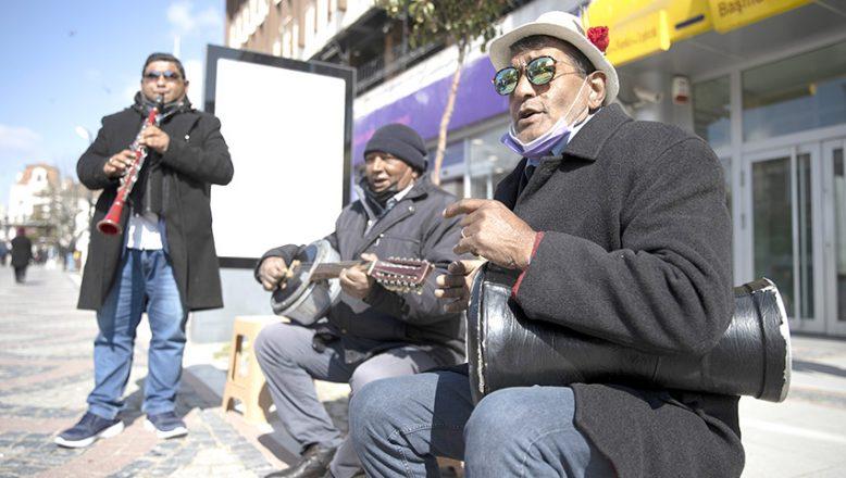 """Müzisyenler """"Kovidsiz günleri"""" bekliyor"""