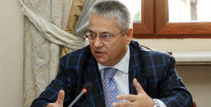 Arnavutluk'ta Ulusal Yas: Eski Başbakan Başkim Fino Hayatını Kaybetti