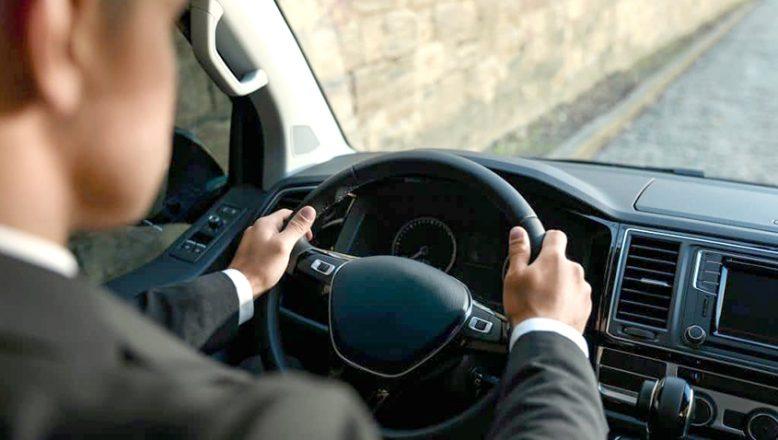 Şoförlü araç kiralama hizmeti alınacak