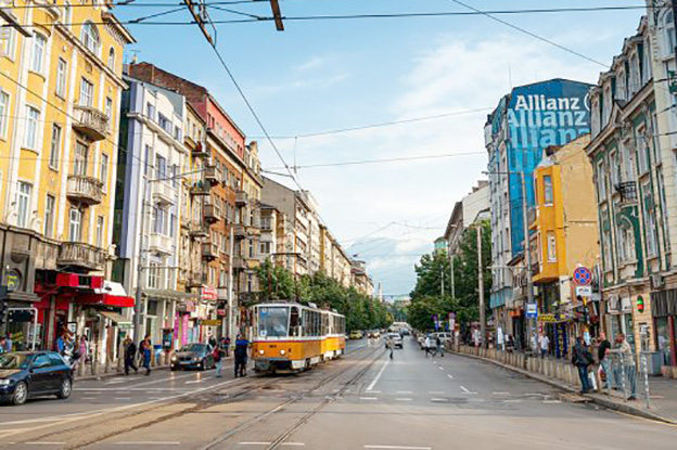 Bulgaristan'da tedbirler 1 Nisan'dan itibaren aşamalı olarak gevşetiliyor