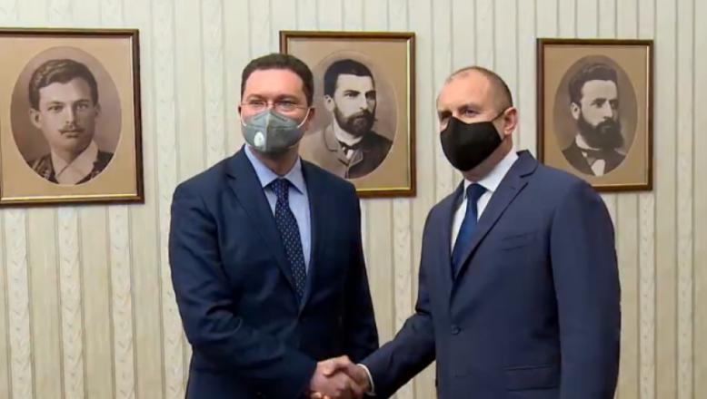 Bulgaristan'da Cumhurbaşkanı hükümet kurma yetkisini GERB-SDS'ye sundu