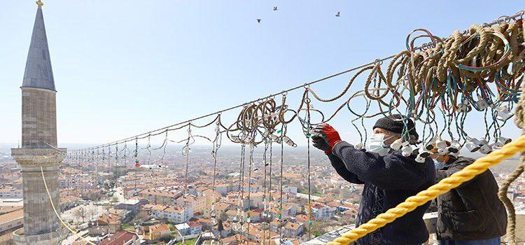 Selimiye'ye ramazan mahyası asıldı
