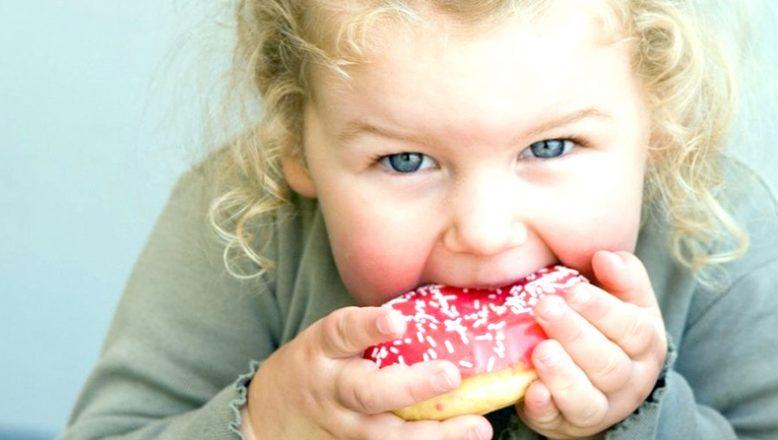 """""""Çocukluk döneminde obeziteye dikkat"""""""
