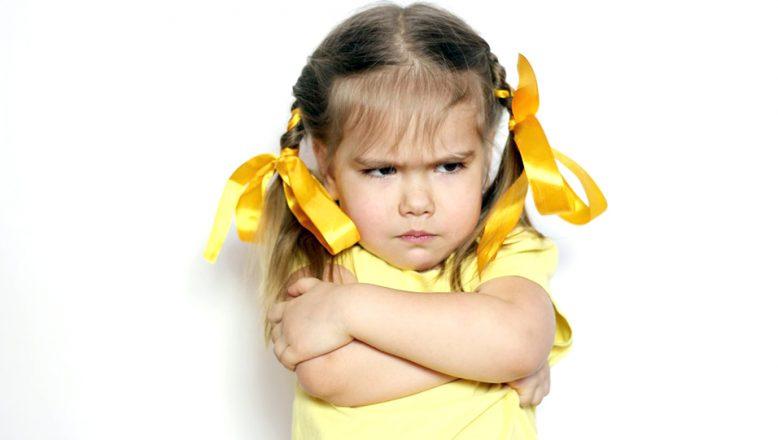 """""""Öfkelenen çocuğa nasıl yaklaşmalıyız?"""""""
