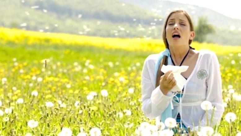 """""""Bahar alerjisi, burun ameliyatlarına engel mi?"""""""