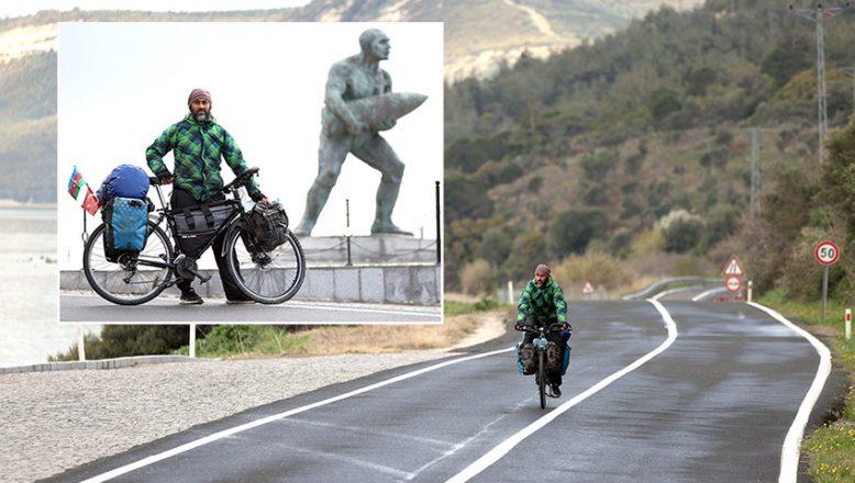 85 bin kilometre katederek, Çanakkale Şehitlikleri'ne ulaştı