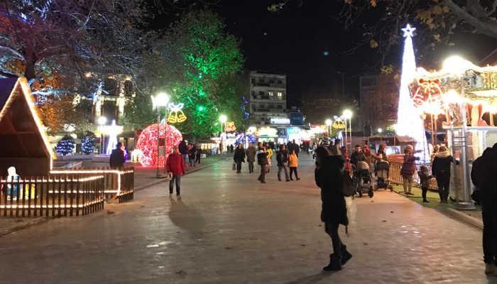 Yunanistan'da sokağa çıkma saatleri değişiyor