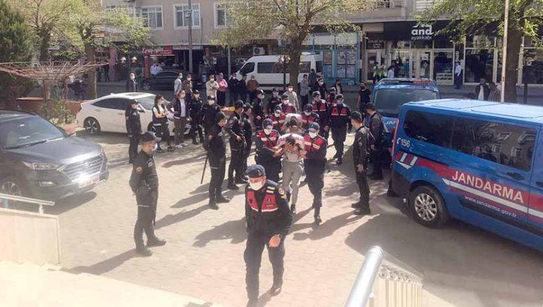 Askeri personeli darp iddiasına 9 tutuklama