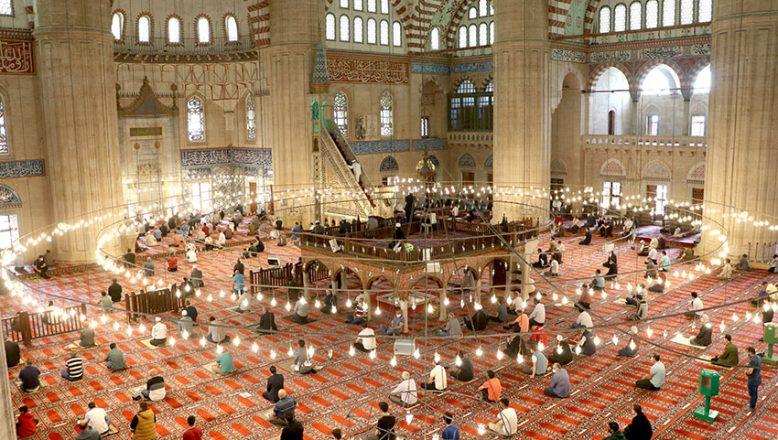 Ramazan'ın son cuması kılındı