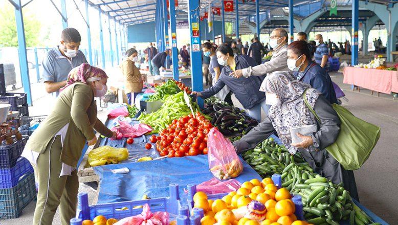 Halk pazarları tedbirli açıldı