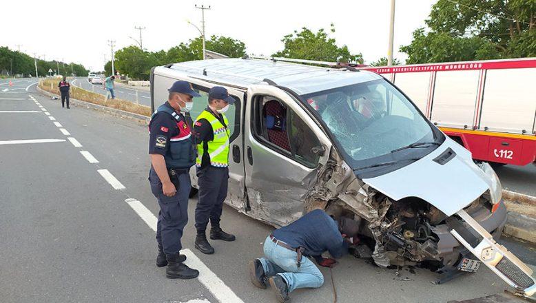 Kaza yapıp kaçtılar; 1 ölü, 2 yaralı
