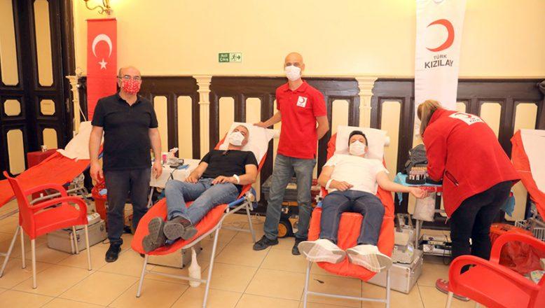 Belediye personeli kan bağışı yaptı
