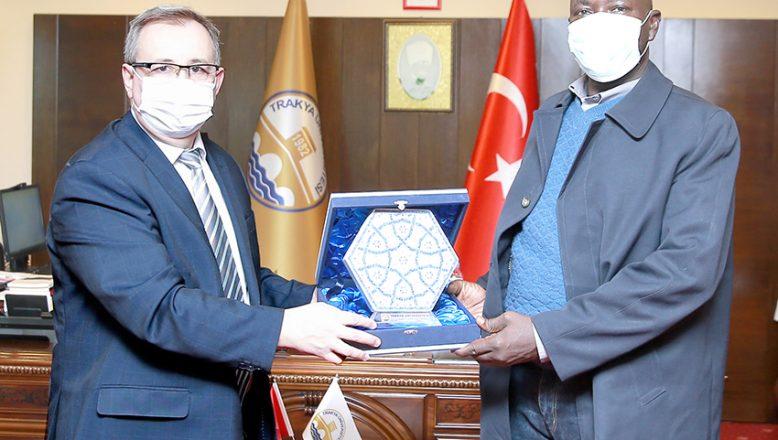 Çad'da Cumhurbaşkanı Başdanışmanı oldu