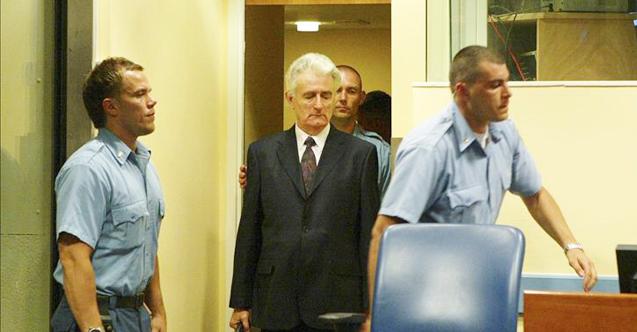 'Bosna Kasabı' lakaplı Soykırım suçlusu Karaciç, İngiltere'ye nakledildi