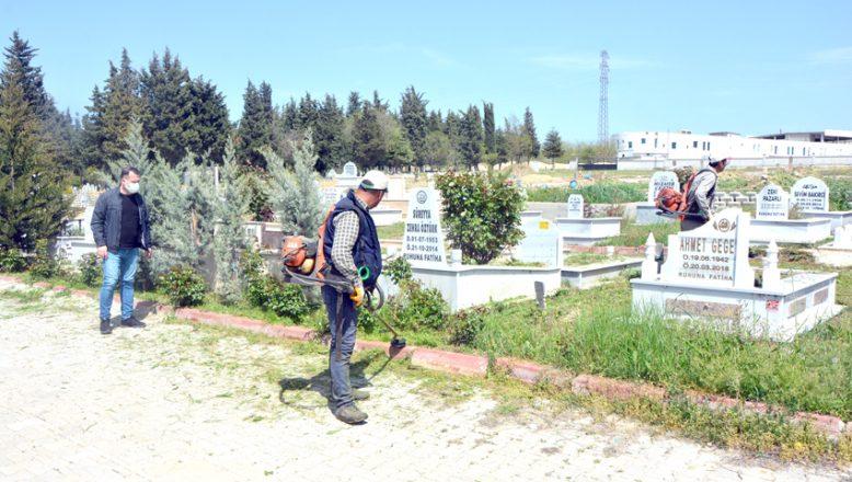 Mezarlıklar, Bayram'a hazırlanıyor