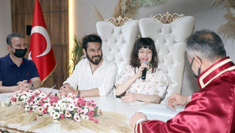 Rus gelin ile Kıbrıslı damat Tekirdağ'da nikah kıydı