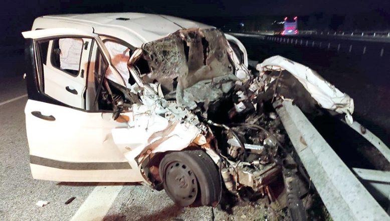 Feci kazada otomobil sürücüsü hayatını kaybetti