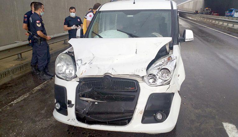 Trafik kazasında 3 kişi yaralandı
