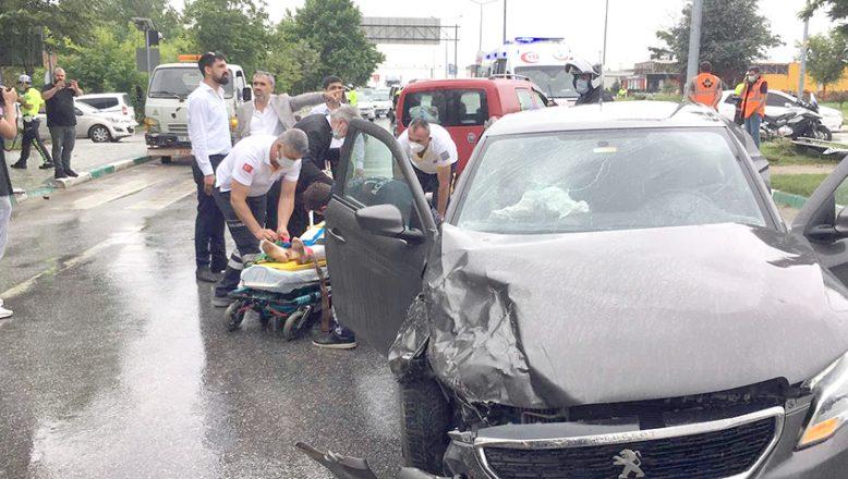 Davutoğlu'nun konvoyunda kaza; 2 yaralı