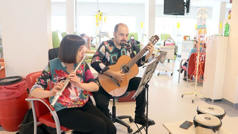 Hastalar müzikle huzur buluyor