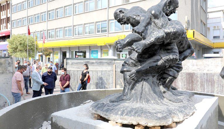 Pehlivan Heykeli, Saraçlar'a taşındı