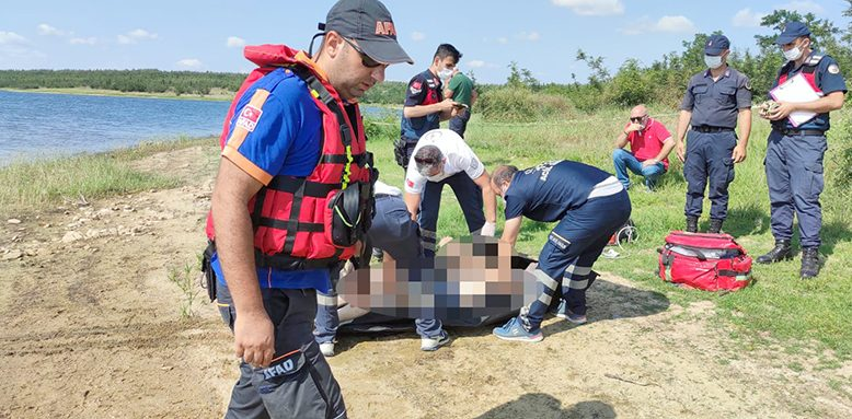 Amatör balıkçı barajda can verdi