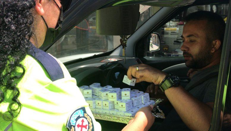 Polisten sürücülere şekerli uyarı!