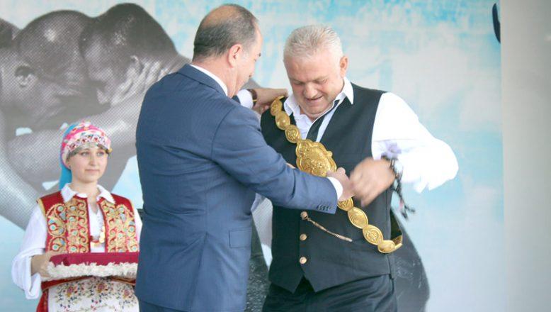 Kırkpınar ağası törenle karşılandı