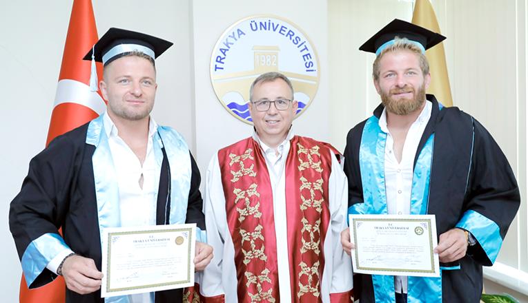 Balaban kardeşler mezun oldu