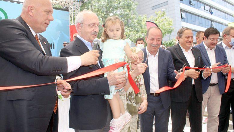 Kılıçdaroğlu, park ve kreş açtı