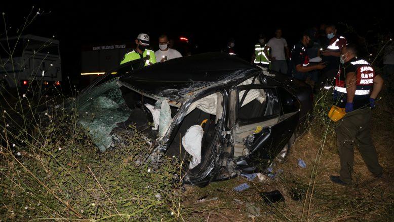 TIR, otomobili biçti: 1 ölü