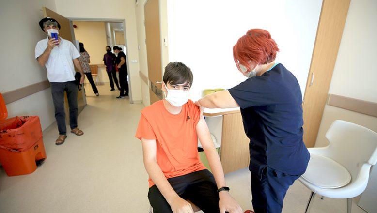 12 ve 15 yaş üstüne aşı hakkı