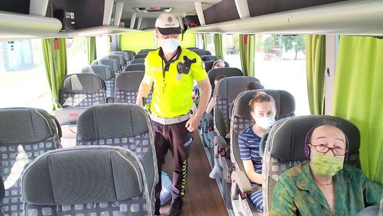 Keşan'da polis otobüs sürücüleri ve yolcularını uyardı