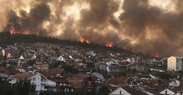 Kuzey Makedonya'da orman yangınları yerleşim yerlerini tehdit ediyor